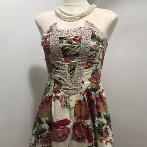 Floral strapless dress (with pockets)